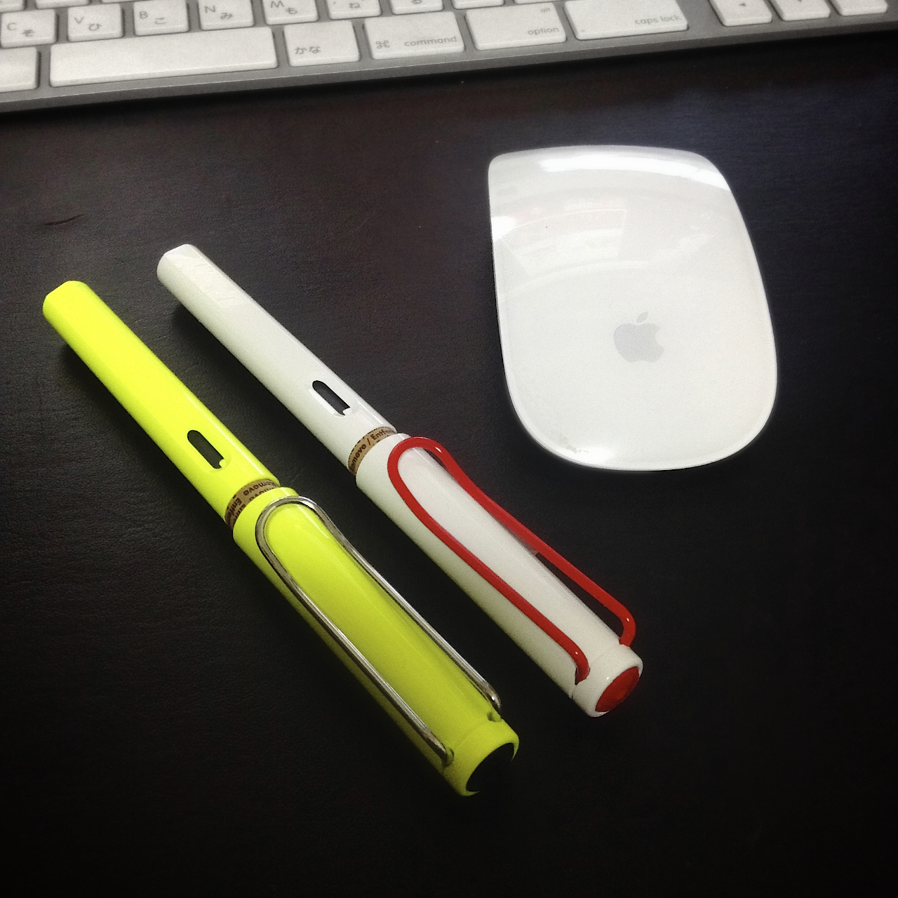 LAMY SAFARI NEON & WHITE WITH RED CLIP 2013