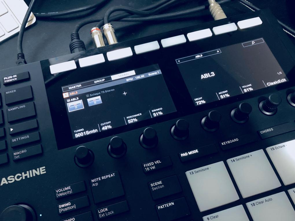 AudioRealism Bass Line 3 on MASCHINE